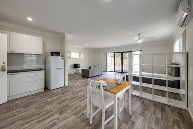 Picture of 27 &/29 Rodney Street, WYNNUM WEST QLD 4178