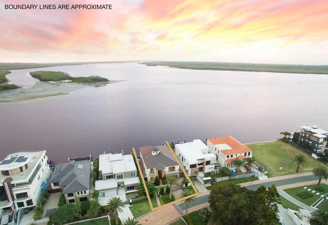 8 KNIGHTSBRIDGE PARADE EAST, Sovereign Islands QLD 4216, Image 0