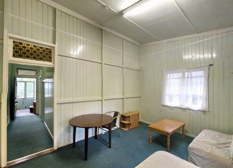 2/38 Lockhart St, Woolloongabba QLD 4102, Image 2