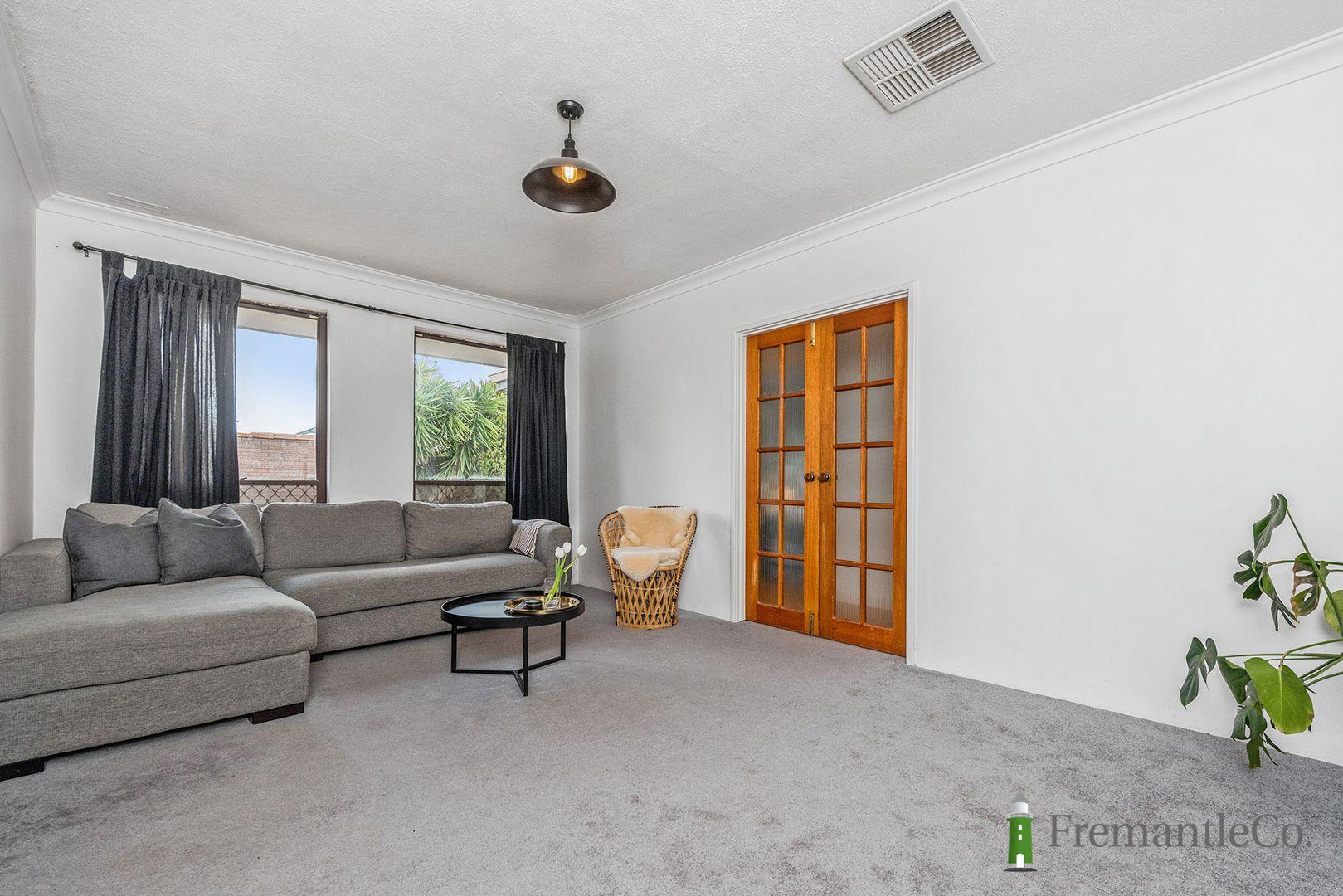 28 Hamilton Rd, Hamilton Hill WA 6163, Image 2