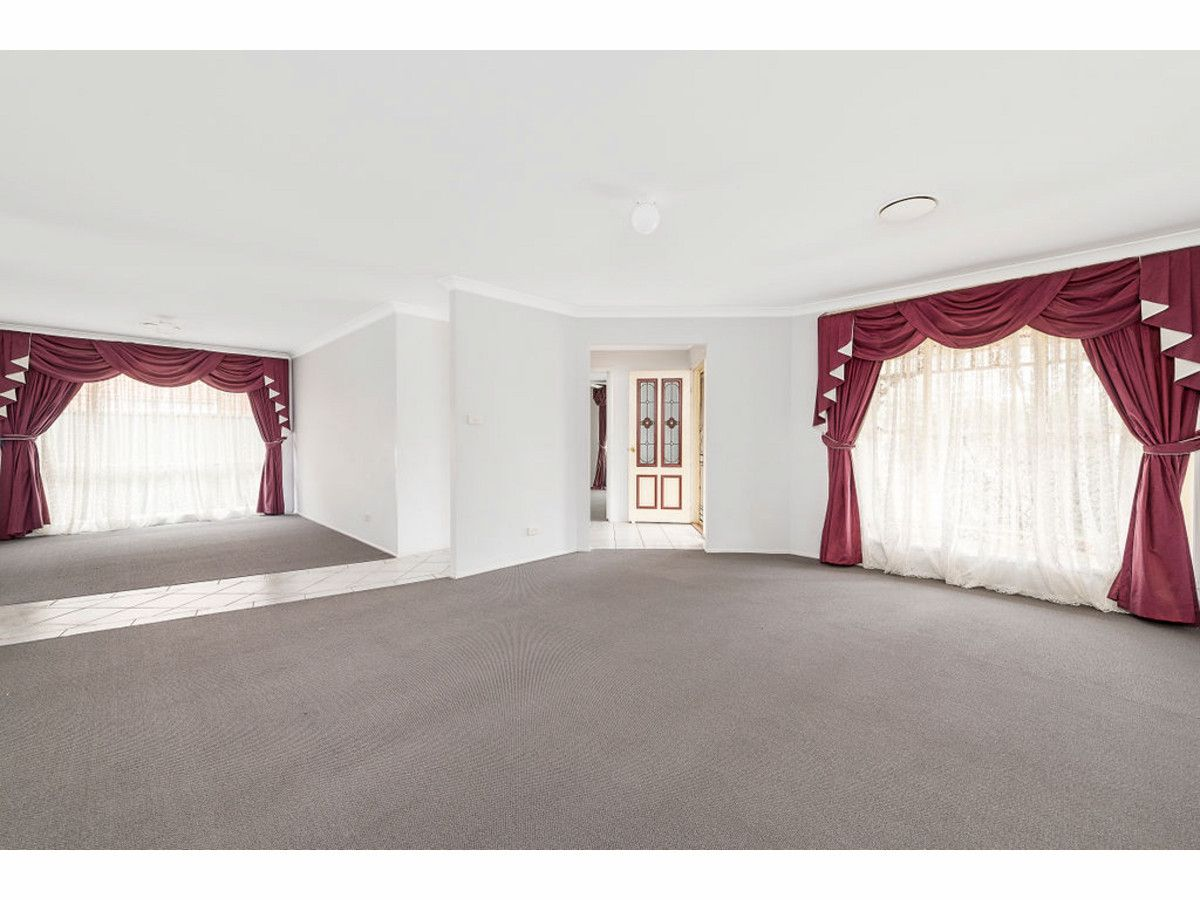 28 Lakeland Circuit, Harrington Park NSW 2567, Image 2