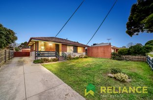 Picture of 19 Dobell Avenue, Sunbury VIC 3429