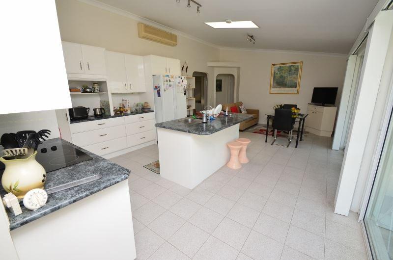 16 Pearson Close, Arundel QLD 4214, Image 1