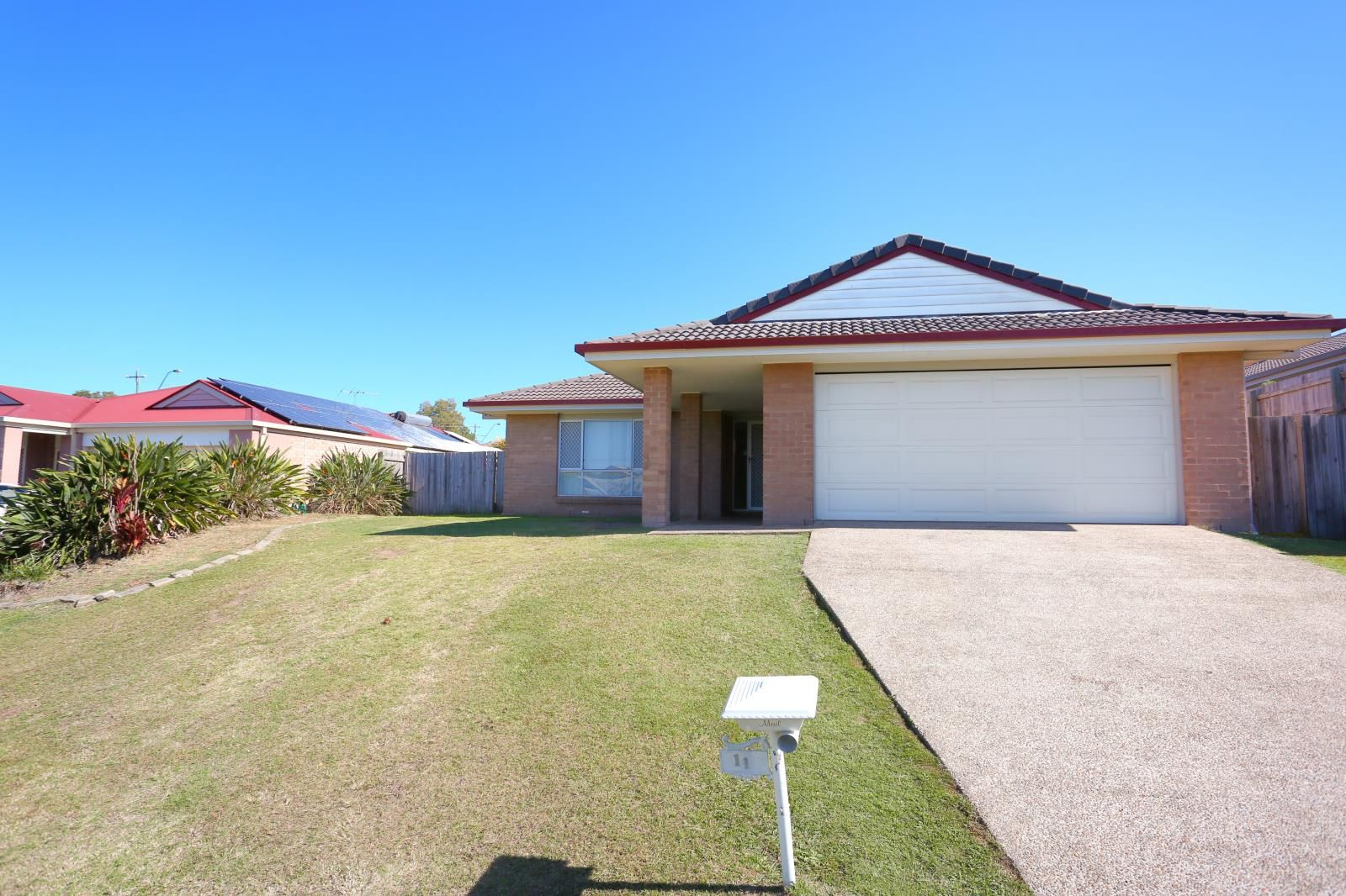 11 Brodie Court, Hillcrest QLD 4118, Image 1