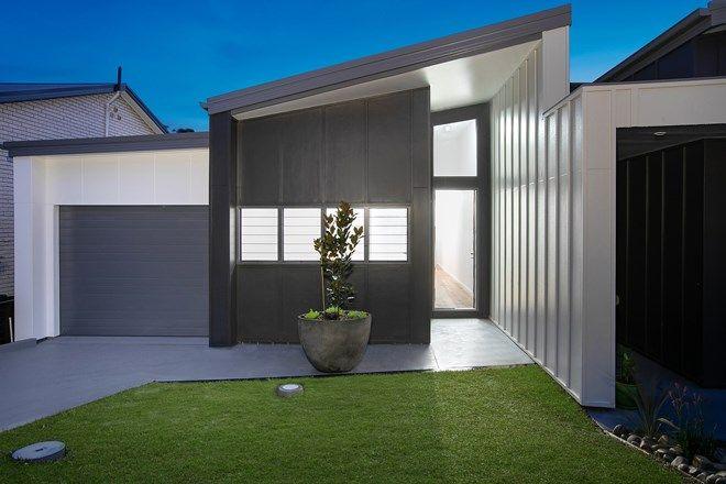 Picture of 4A Toongara Avenue, BATEAU BAY NSW 2261