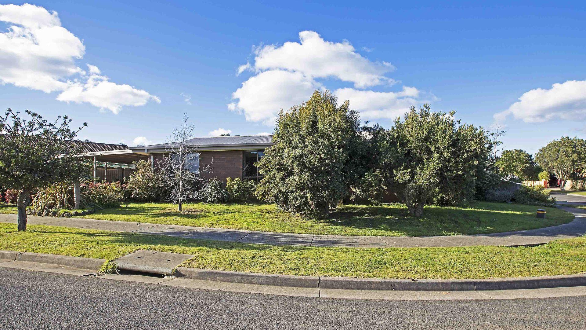 10 Springhurst Crescent, Grovedale VIC 3216, Image 1