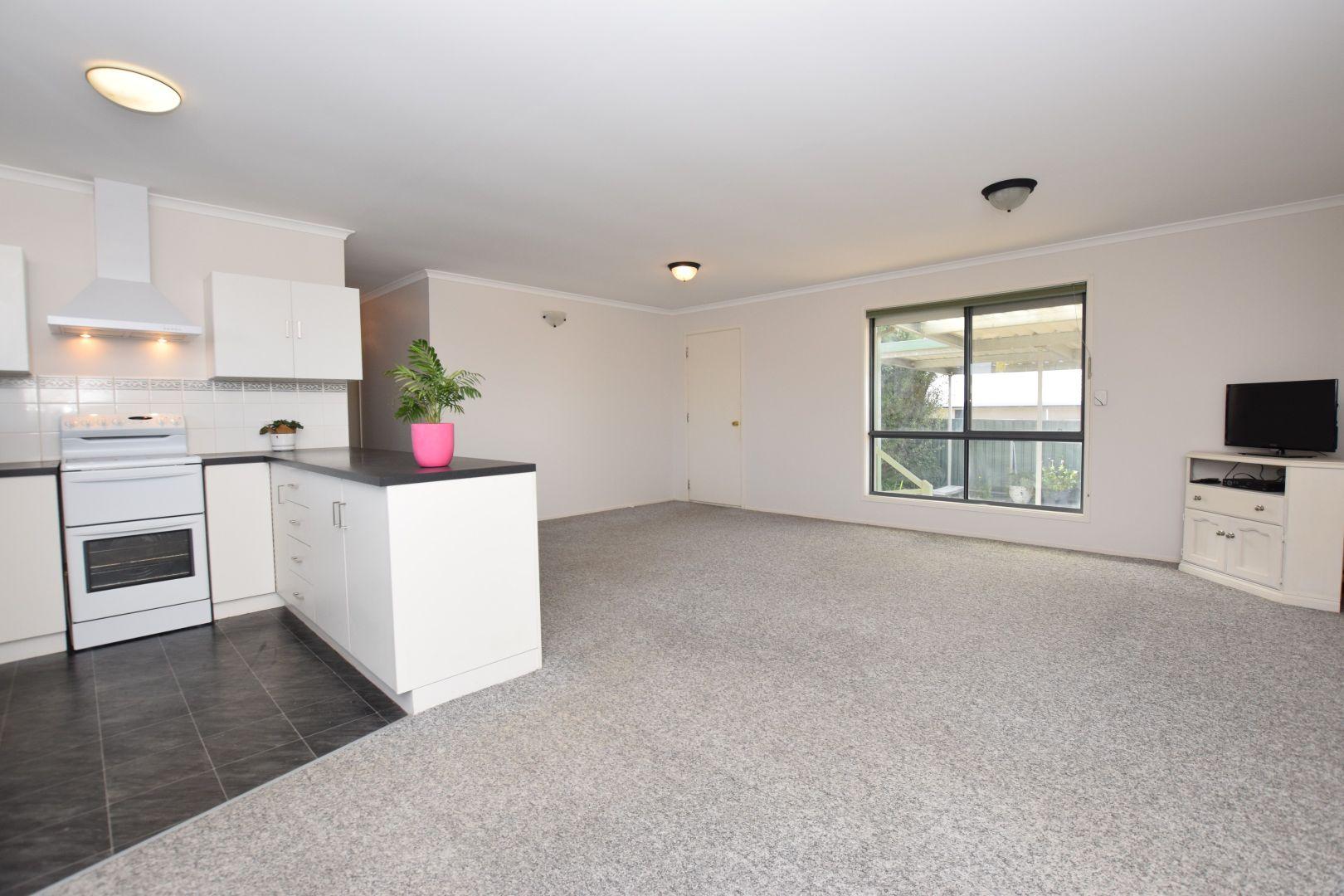 11 Flinders Avenue, Kingscote SA 5223, Image 2
