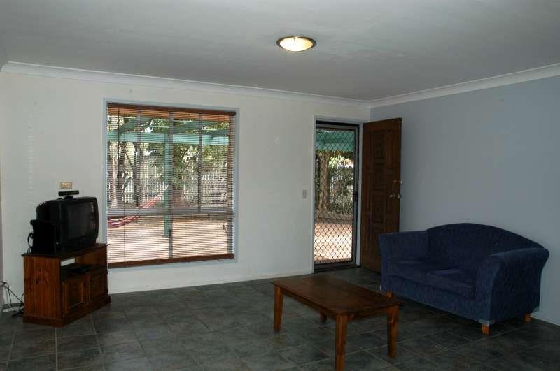 19 Eucalyptus Avenue, Varsity Lakes QLD 4227, Image 2