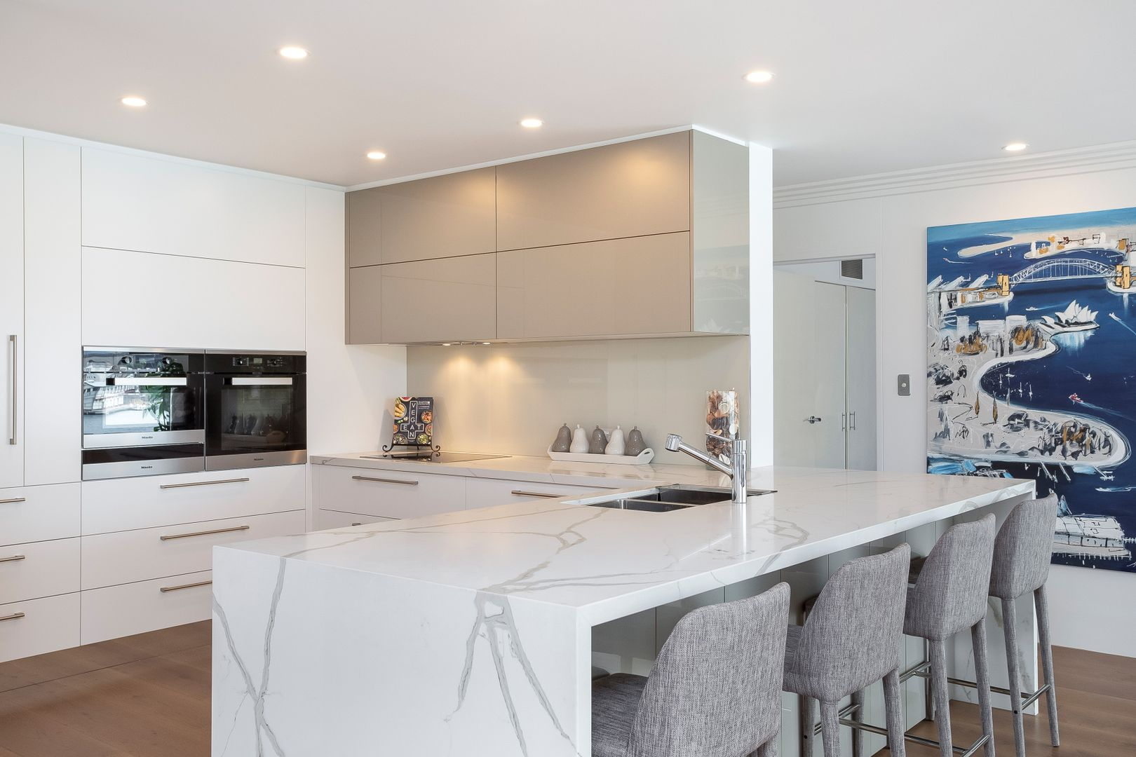 9/1 East Crescent  Street, Mcmahons Point NSW 2060, Image 2