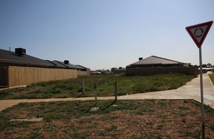 Picture of 98 Farm Road, Werribee VIC 3030