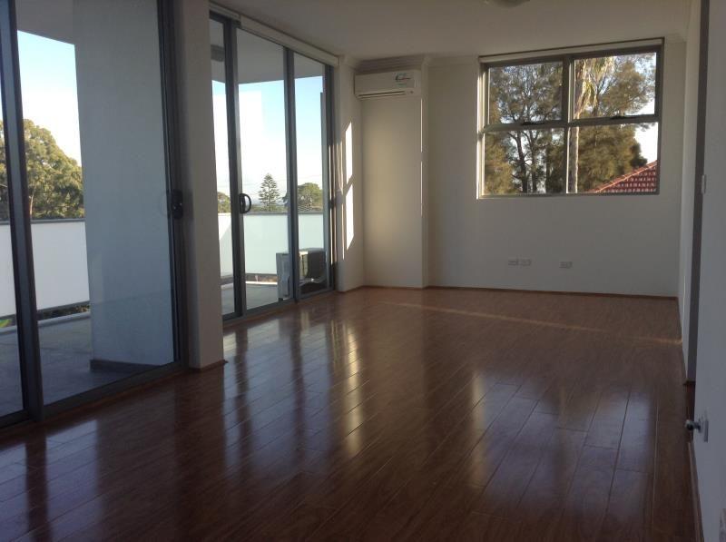211/71 Gray Street, Kogarah NSW 2217, Image 2