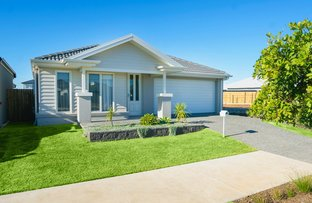 Picture of 118 Lakeview Promenade, Newport QLD 4020