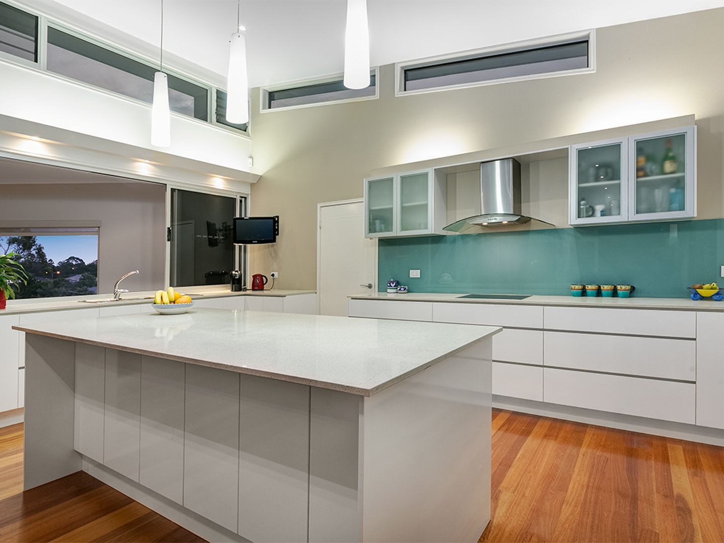 19 Gabrielle Place, Manly West QLD 4179, Image 2