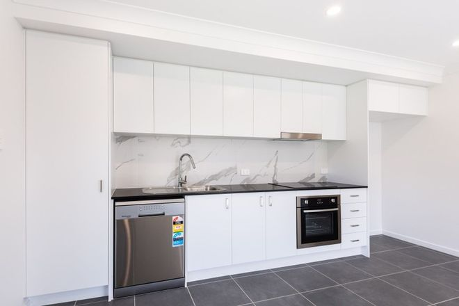 Picture of 2/5 Hilary Street, MORAYFIELD QLD 4506