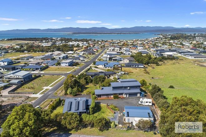Picture of 33 Arthur Street, SHEARWATER TAS 7307