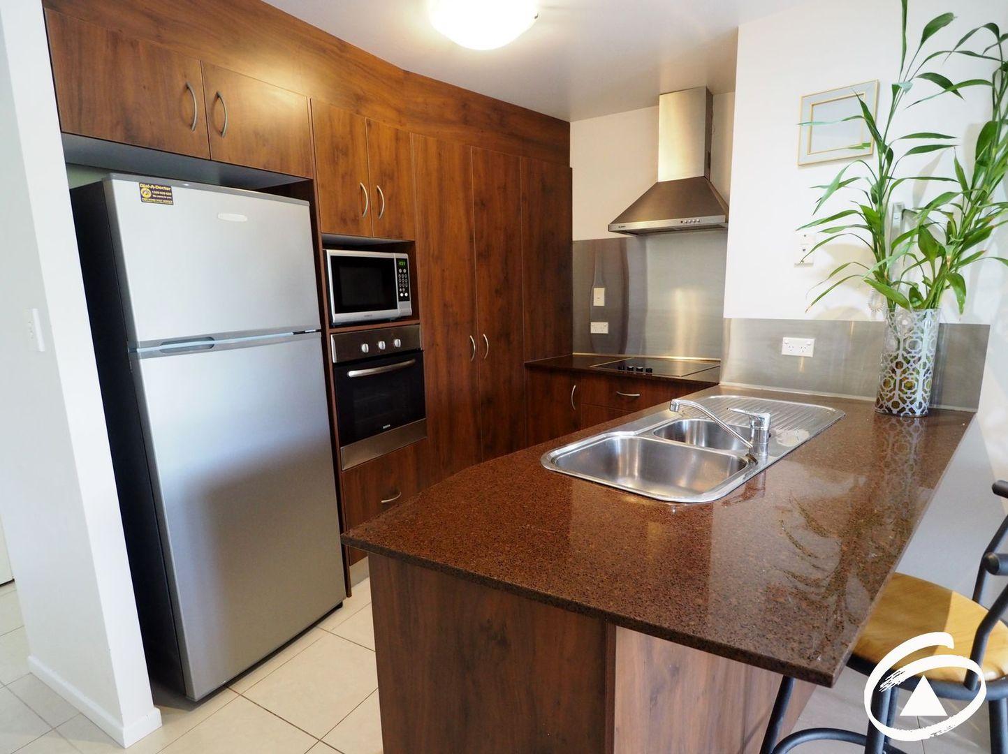 6/351 Lake Street, Cairns North QLD 4870, Image 1