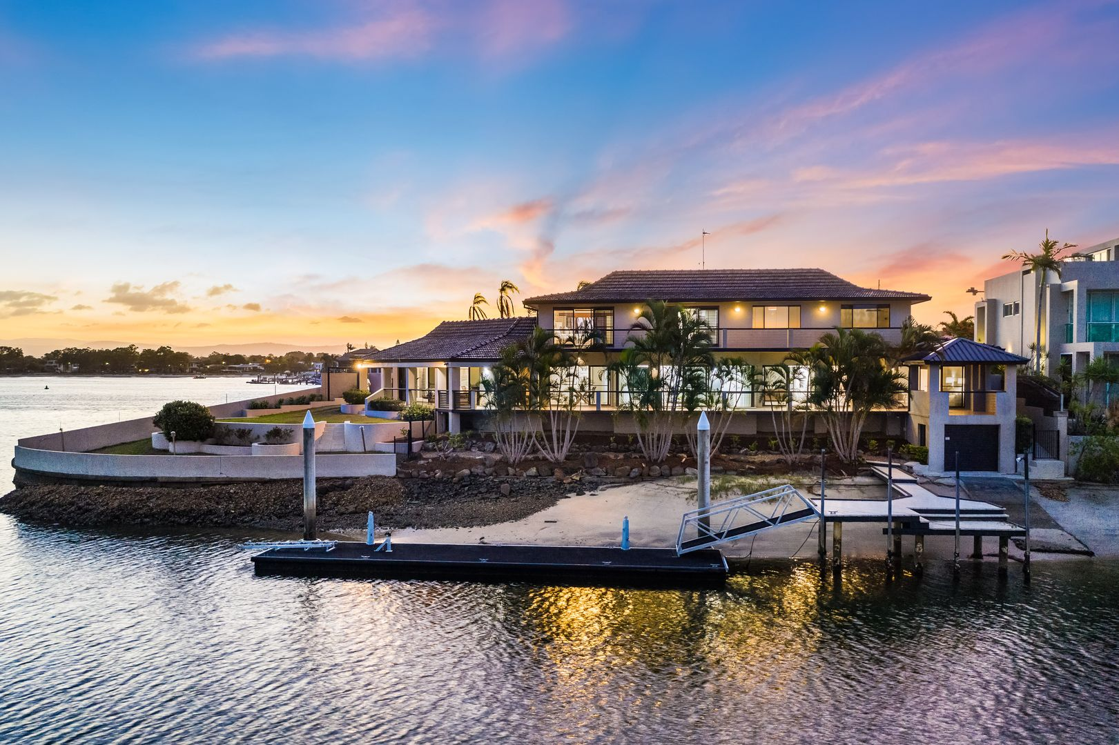 124 Commodore Drive, Paradise Waters QLD 4217, Image 0