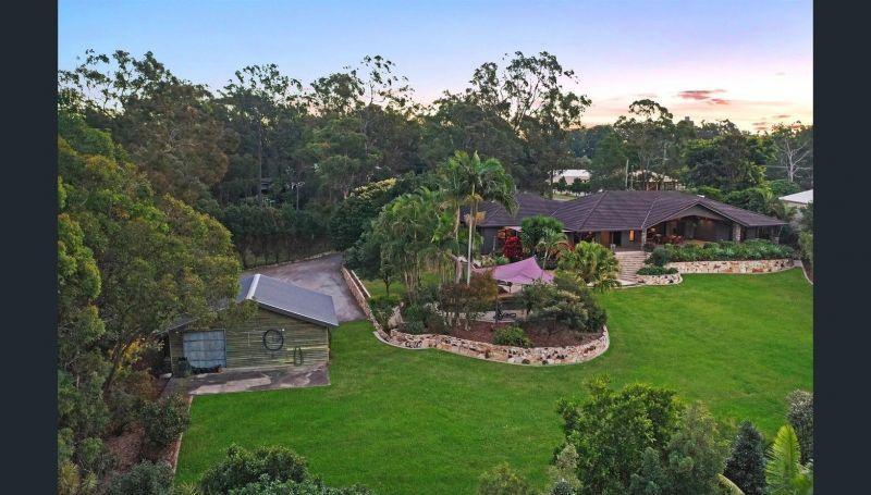 59 Castle Hill Drive, Gaven QLD 4211, Image 2