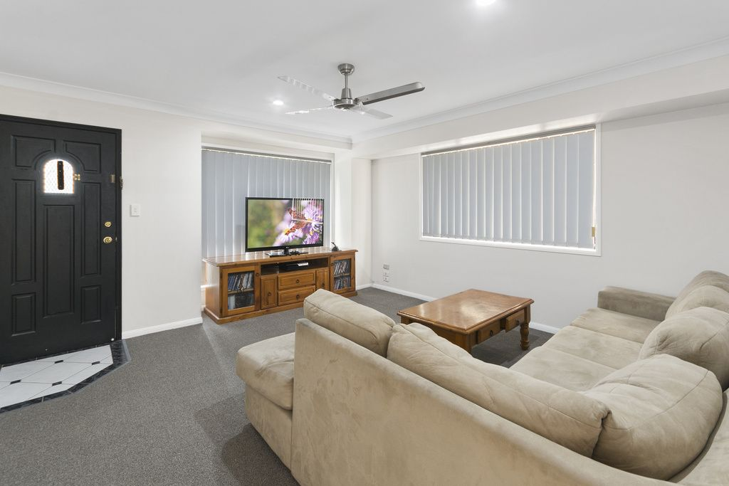 5 Pintail Crescent, Forest Lake QLD 4078, Image 2
