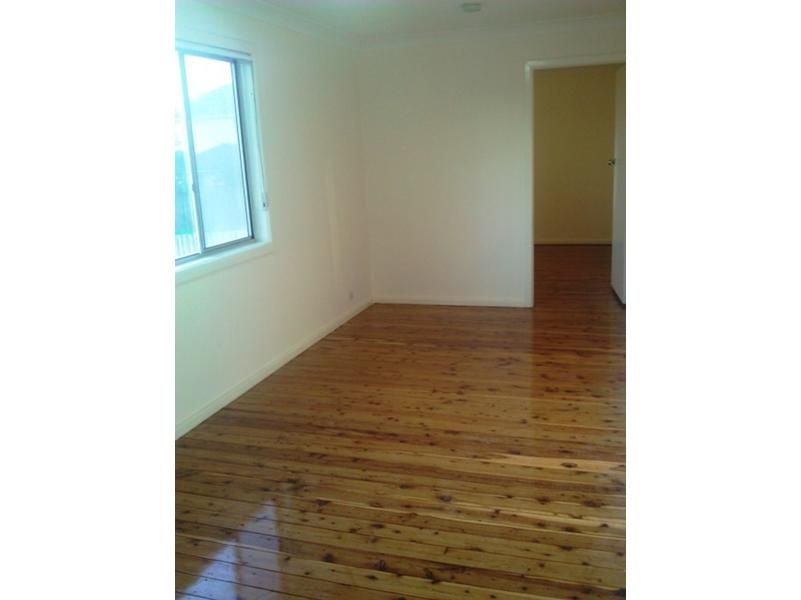49 Ashcroft Avenue, Casula NSW 2170, Image 2