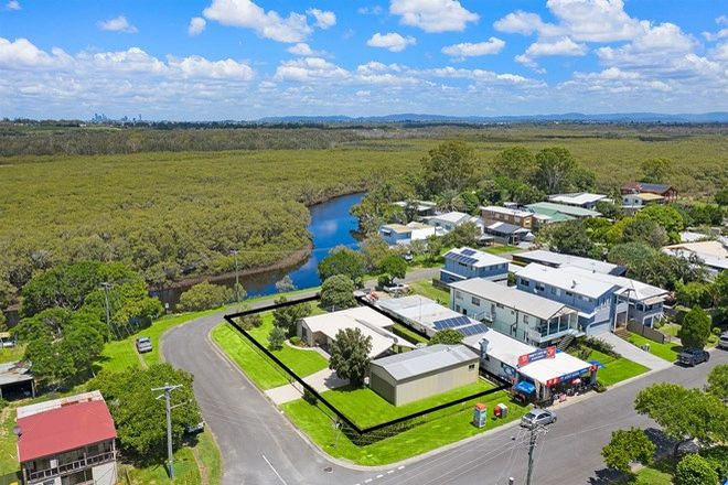 Picture of 86 O'Quinn Street, NUDGEE BEACH QLD 4014