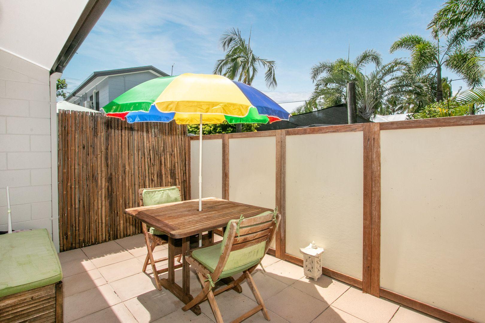 7/25-31 Hibiscus Lane, Holloways Beach QLD 4878, Image 1