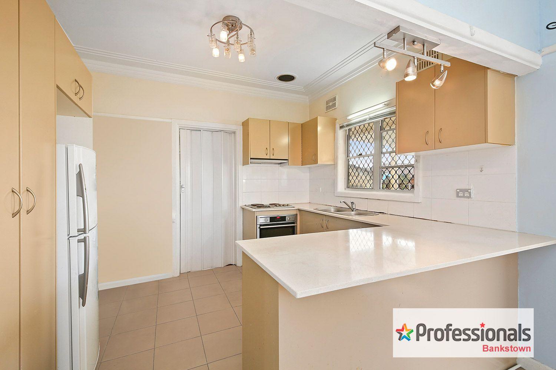 19 Daphne Avenue, Bankstown NSW 2200, Image 2