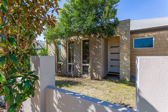 Picture of 2 Dunkley Place, BAYSWATER WA 6053