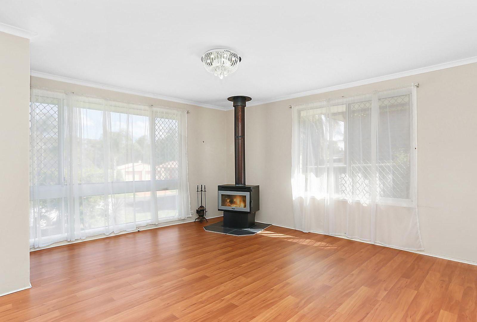15 Frontignan Street, Eschol Park NSW 2558, Image 2
