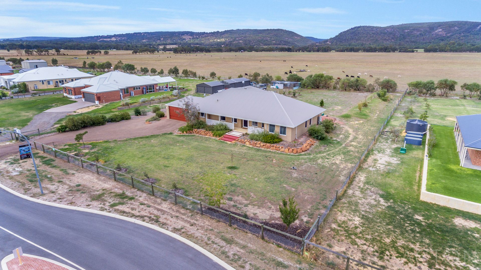 94 Rangeview Loop, Serpentine WA 6125, Image 1