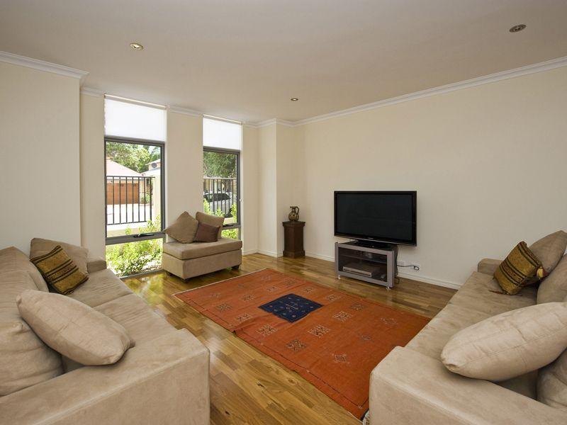 82 Sunbury Road, Victoria Park WA 6100, Image 0