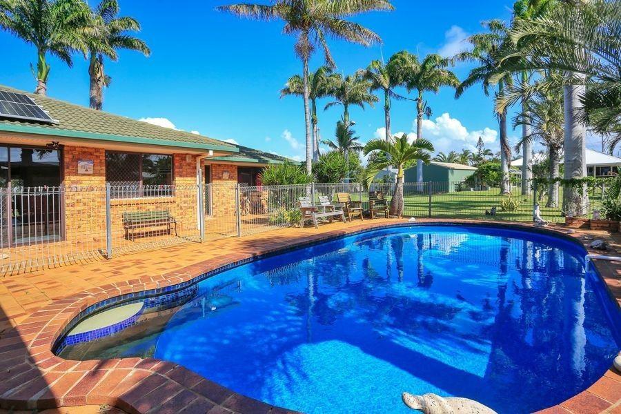 10 Corona Court, Elliott Heads QLD 4670, Image 1