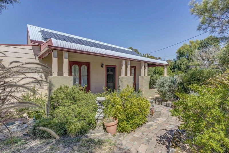 18 St Georges Crescent, Faulconbridge NSW 2776, Image 1