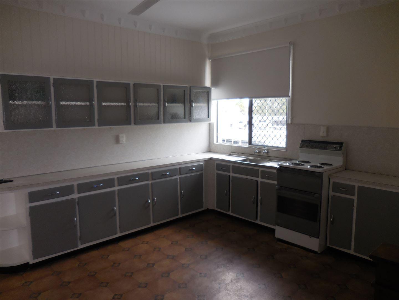 Flat 1/182B Queen Street, Ayr QLD 4807, Image 2