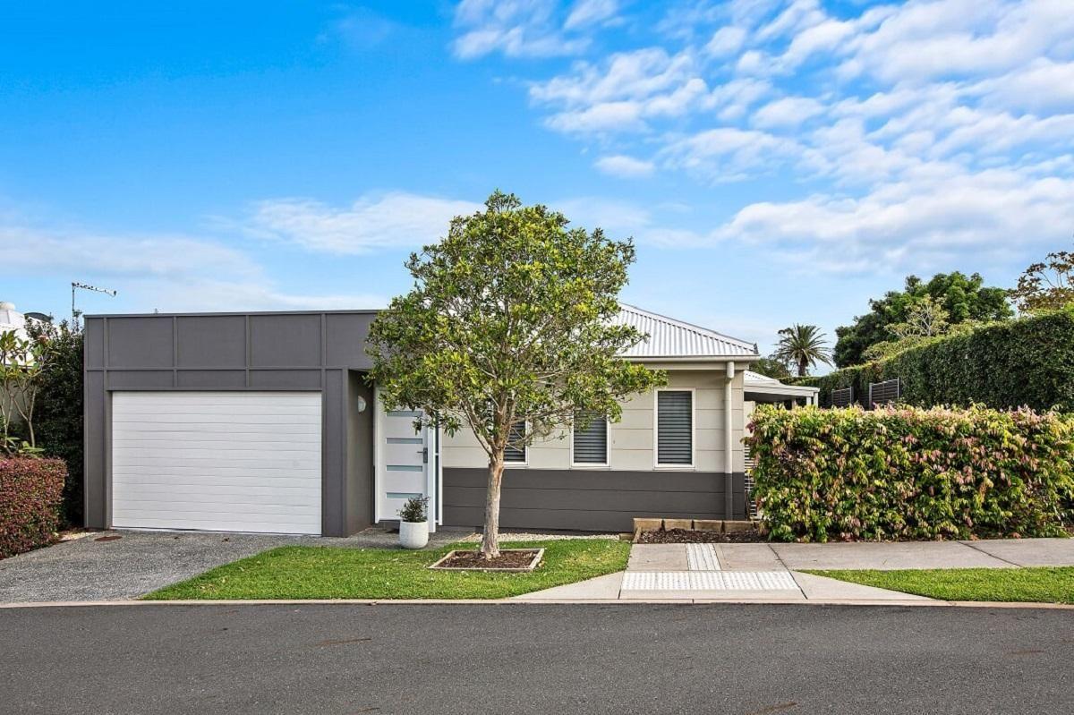 11 Southern Ocean Street, Lake Cathie NSW 2445, Image 0