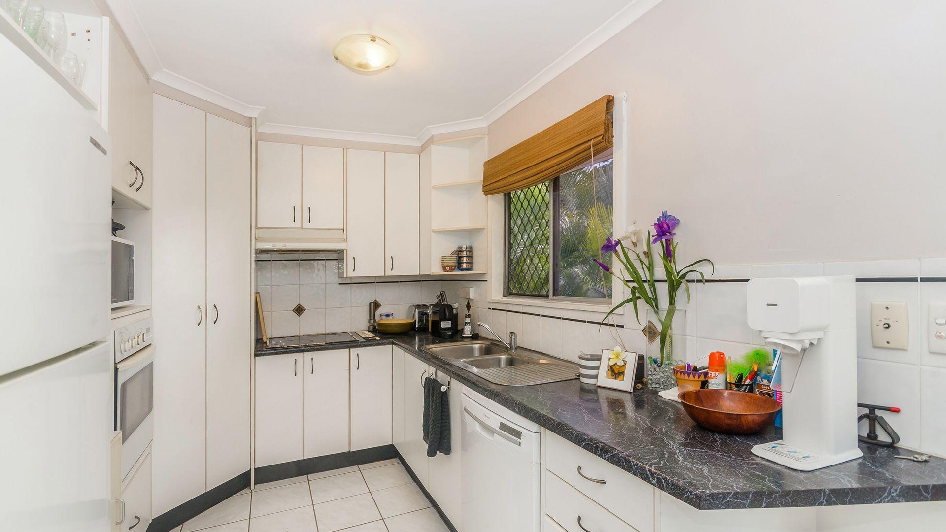 4 Cabarita Street, Cranbrook QLD 4814, Image 2
