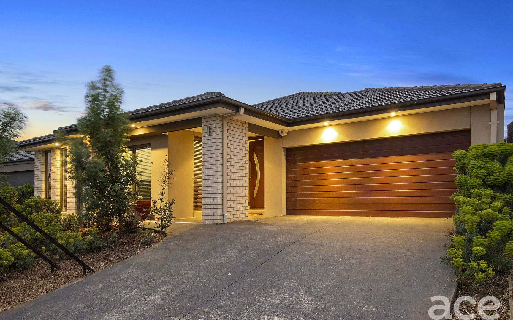 24 Hanworth Avenue, Williams Landing VIC 3027, Image 1