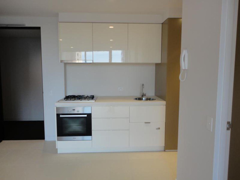 2601/33 Mackenzie Street, Melbourne VIC 3000, Image 2