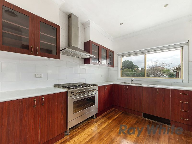 26 Simpson Street, Sunshine North VIC 3020, Image 2