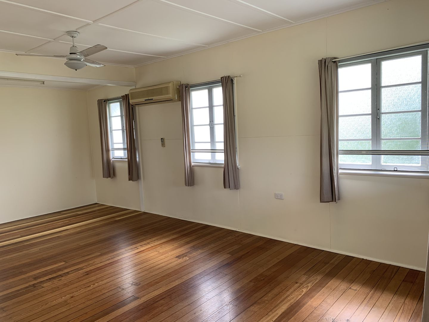 36 Montgomery Street, West End QLD 4810, Image 1