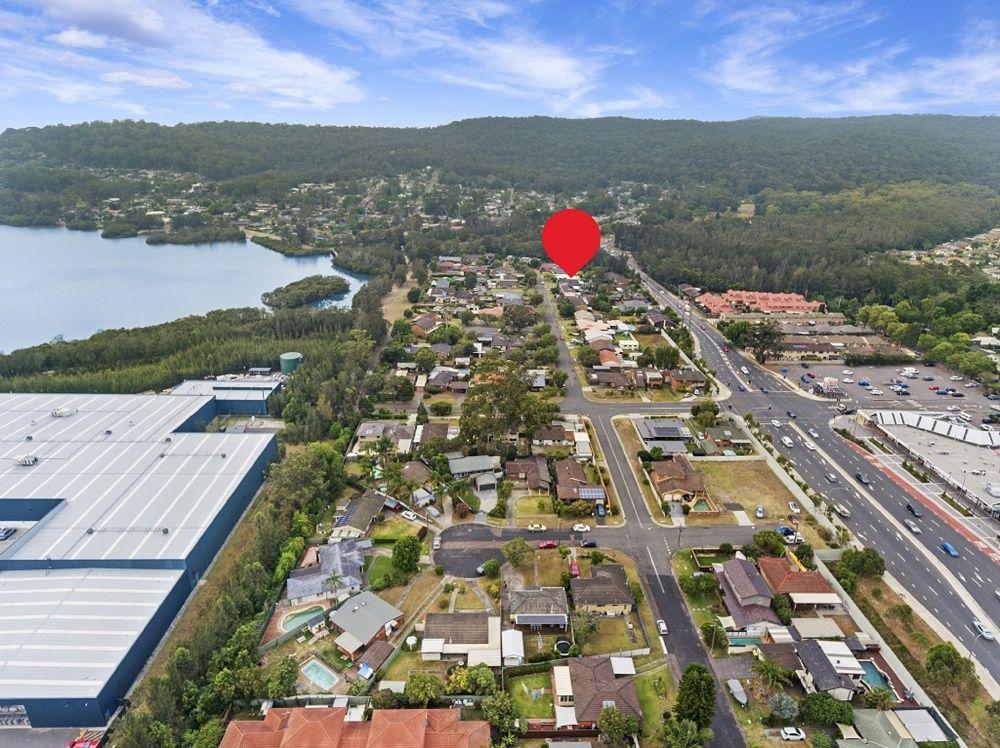 24 Uratta Street, West Gosford NSW 2250, Image 2