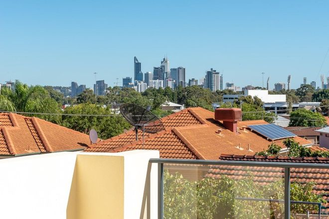 Picture of 4/1 Teague Street, BURSWOOD WA 6100