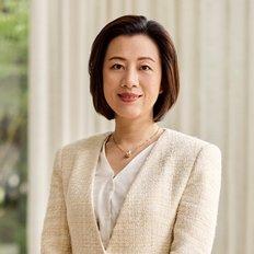 Elisa Che, Associate Agent