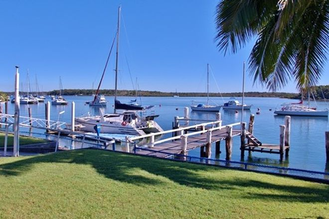 Picture of 17 The Esplanade, TIN CAN BAY QLD 4580