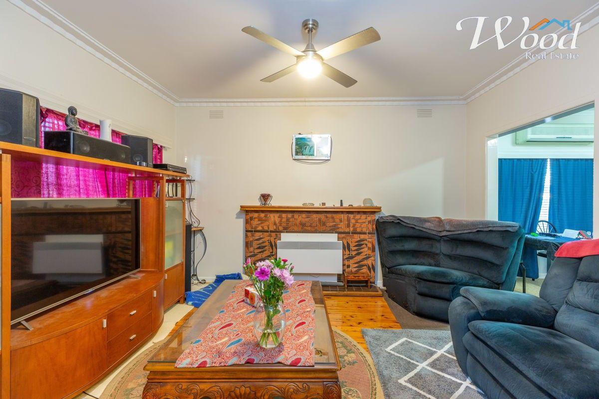 423 Nowland Ave, Lavington NSW 2641, Image 2