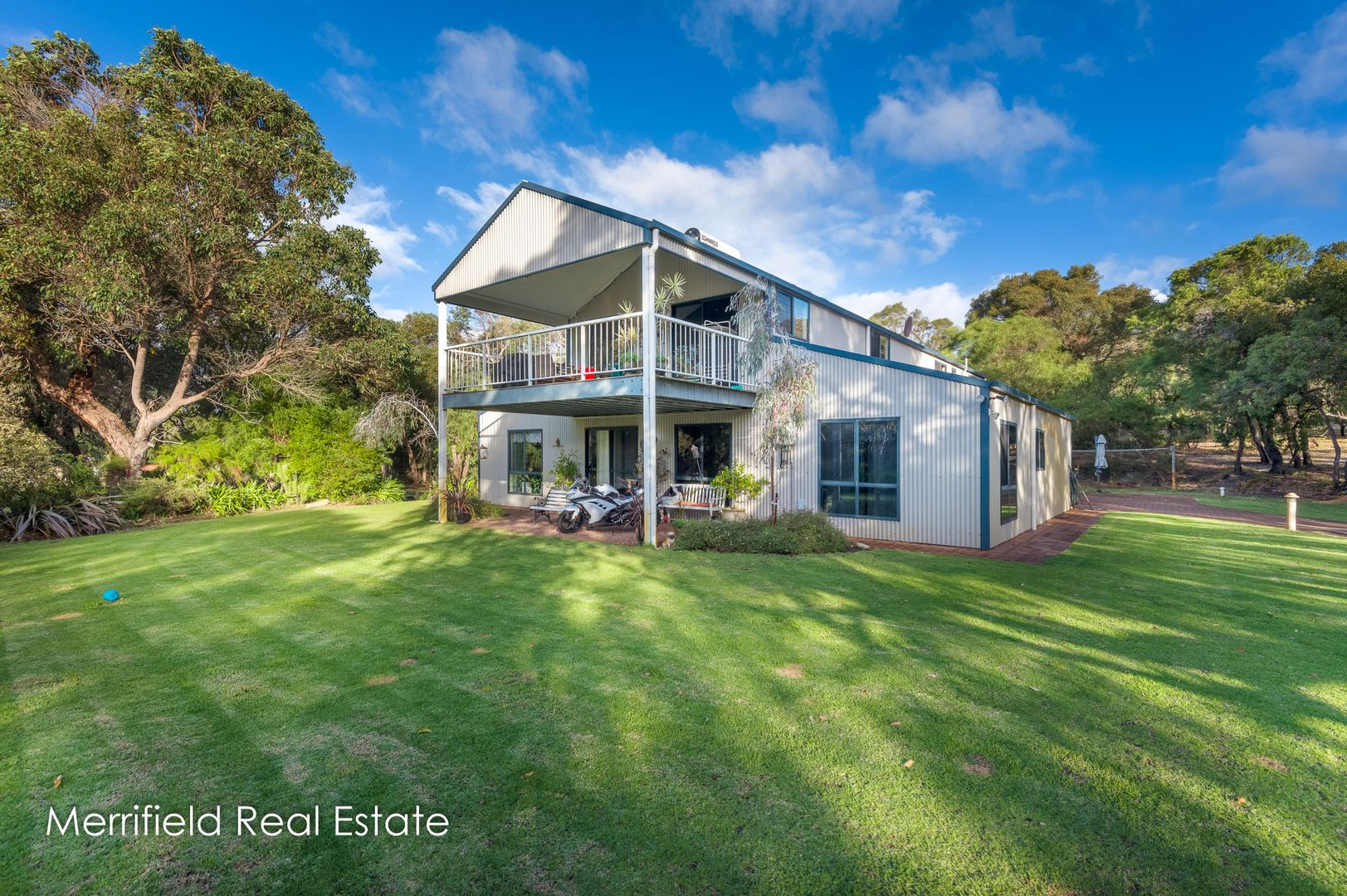 135 O'Connell Street, Little Grove WA 6330, Image 1