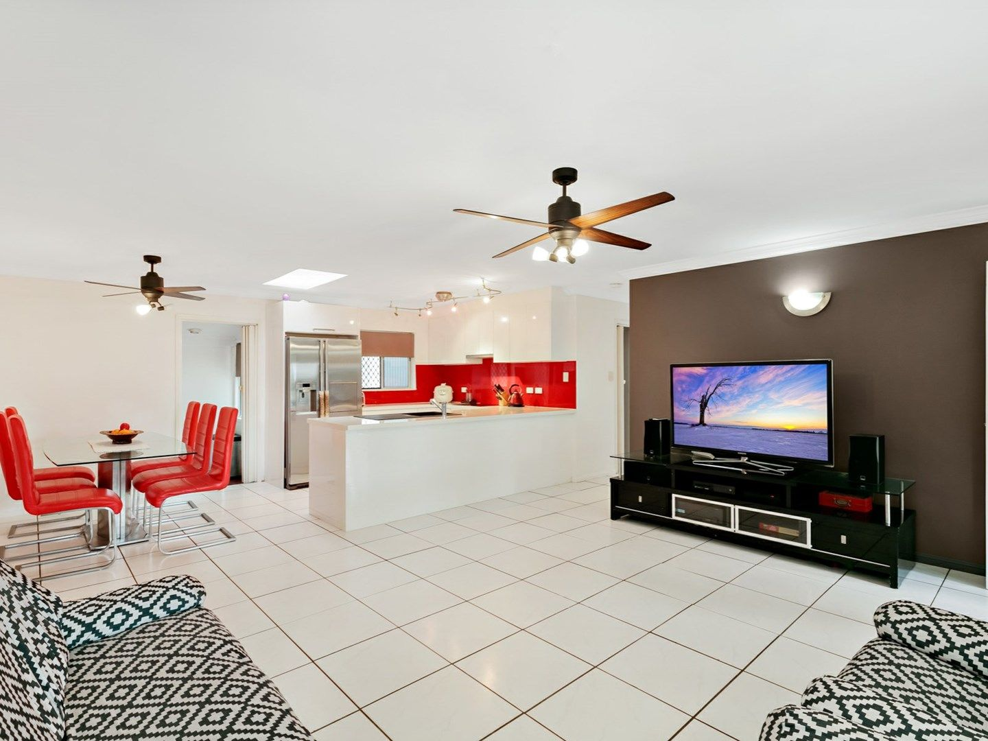 166 Sydney Street, Bayview Heights QLD 4868, Image 1