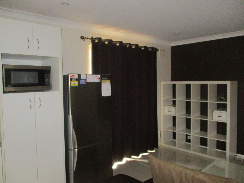 1/393 Hannan Street, Kalgoorlie WA 6430, Image 2