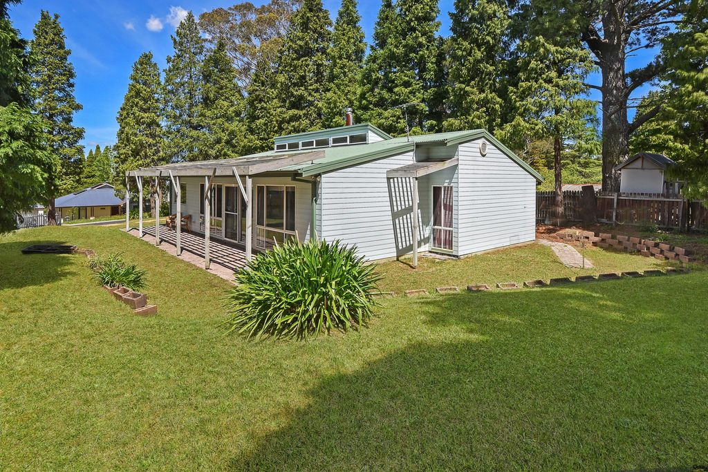 3 Wood St, Wentworth Falls NSW 2782, Image 0