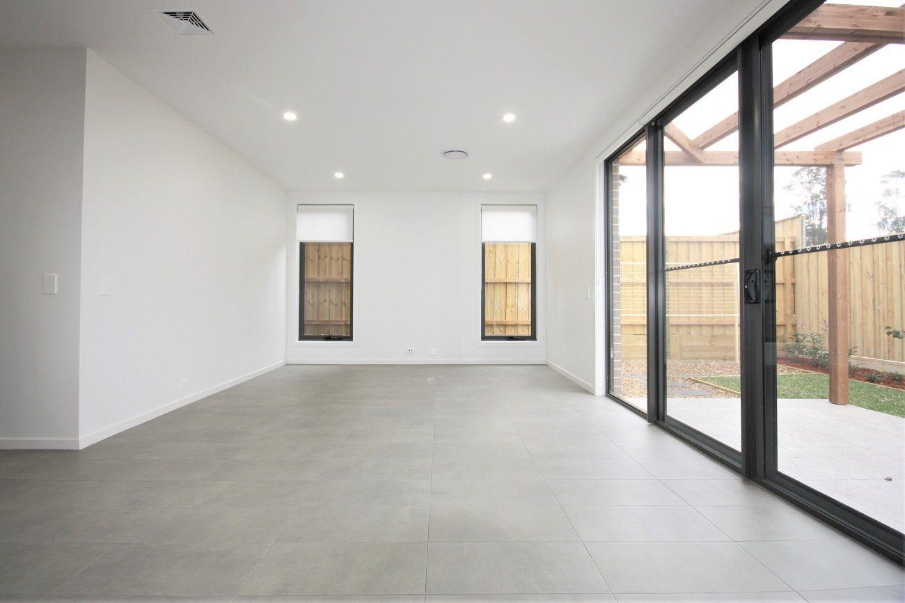 38 Indigo Crescent, Denham Court NSW 2565, Image 2